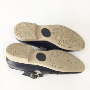 Born black leather Mary Jane shoes Sz 8